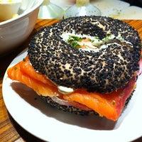 Foto tirada no(a) Z Deli Sandwich Shop por Bia L. em 1/19/2013