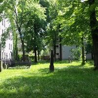 Photo taken at Alter Garnisonsfriedhof by Elena S. on 5/7/2014
