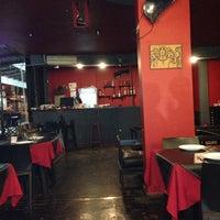 Foto tirada no(a) Naé Pizza Pub por Roberto R. em 11/5/2013