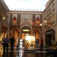 Photo taken at Tintoretto Bakery (Venetian Hotel) by Mechi M. on 2/3/2013