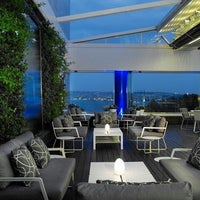 Photo taken at The Ritz-Carlton Bleu Lounge & Grill by Elif D. on 3/12/2014