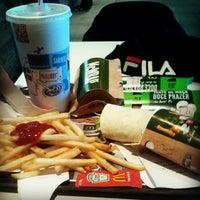 Foto tomada en McDonald's por Miguel P. el 3/2/2014