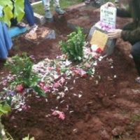 Photo taken at Tempat Pemakaman Umum Karet Tengsin by Hardhy R. on 8/5/2013