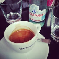 Photo taken at Espressamente Illy Café by Khal on 8/10/2013
