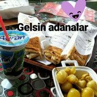Photo taken at Dürümistan Mobil Cafe by Gamzenur Ş. on 3/3/2017