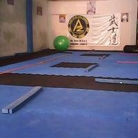 Photo taken at Escola de Jiu-Jitsu Azambuja Behring by Mateus D. on 1/30/2014