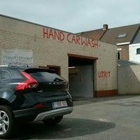 Photo taken at Oudenaardse Hand Carwash by Olof C. on 9/13/2014