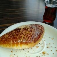 Photo taken at Çınar Cafe Bistro Kazan by Arif GÜNHIZ on 9/27/2013