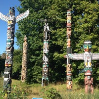 Photo taken at Totem Poles in Stanley Park by Eli R. on 8/5/2015