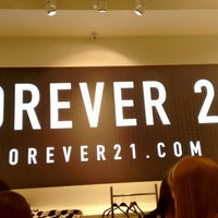 Photo taken at Forever 21 by Michele Vera S. on 6/21/2015