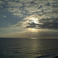 Photo taken at DoubleTree Suites by Hilton Hotel Melbourne Beach Oceanfront by Daniel C. on 1/10/2013