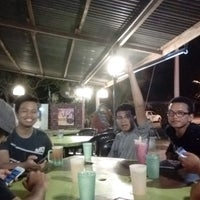 Photo taken at Aida Tomyam Seafood by Amir A. on 8/28/2016