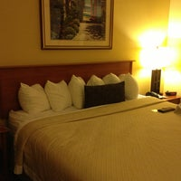 Photo taken at Days Inn Connecticut Avenue by Juliana M. on 1/22/2013