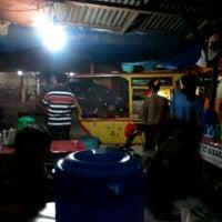 Photo taken at Sate Madura Simpang Bunut by Dedek A. on 8/9/2013