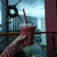 Photo taken at Costa Coffee by Lola . on 8/4/2017