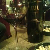 Foto diambil di Wine House oleh Дана М. pada 8/21/2015