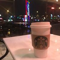 2/5/2017 tarihinde Şeyma Y.ziyaretçi tarafından Starbucks'de çekilen fotoğraf