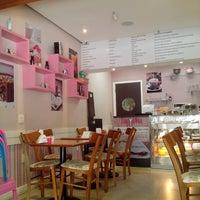 Photo taken at Deli Café & Confeitaria by Rafael W. on 9/7/2014