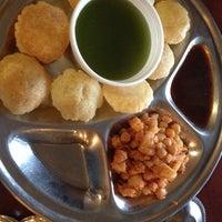 รูปภาพถ่ายที่ Swad Indian Restaurant โดย Jodi P. เมื่อ 3/10/2014