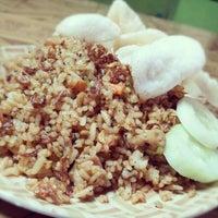 Photo taken at Nasi Goreng Babat Iso Mandiri by Bayu S. on 12/17/2012