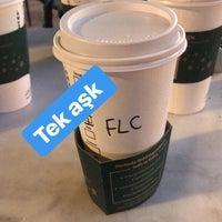 2/14/2018 tarihinde Serhat A.ziyaretçi tarafından Starbucks'de çekilen fotoğraf