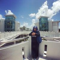 Photo taken at Engineering Faculty Gowa, Hasanuddin University by asyra f. on 3/12/2015