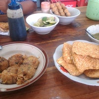 Photo taken at Soto Ayam Bang Ari by Lida W. on 9/7/2013