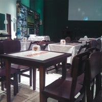Photo taken at Esquina Food Club by Rafael R. on 9/12/2013