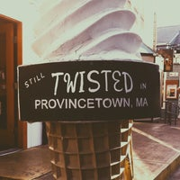 Photo taken at Twisted Pizza and Ice Cream by Bjørn F. on 8/26/2014
