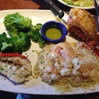 Photo taken at Red Lobster by Cherry S. on 4/8/2014