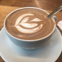 Photo prise au La Colombe Coffee Roasters par Pau V. le3/27/2018
