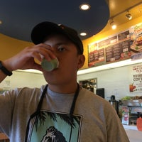 Photo taken at Robeks Fresh Juices & Smoothies by Ej F. on 9/12/2016