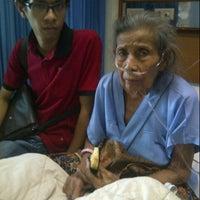Photo taken at RS Jantung dan Pembuluh Darah Harapan Kita by Dhimaz M. on 10/27/2013