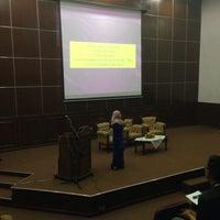 Photo taken at Auditorium Perpustakaan Sultanah Nur Zahirah, UMT by Dayana 💋 on 2/25/2016