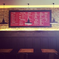 Photo prise au LOFT Resto & Bar par Justyna N. le9/26/2013