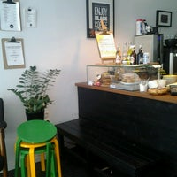 Das Foto wurde bei Good Life Coffee von Pau L. am 6/8/2013 aufgenommen