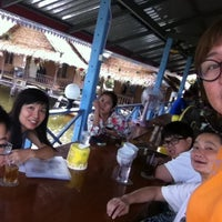 Photo taken at เรือนถาวร Home Stay & Seafood by Apple U. on 8/12/2013