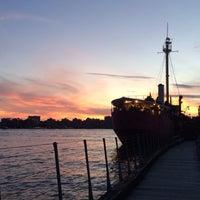 Снимок сделан в Lightship Frying Pan @ Pier 66 Maritime пользователем Gabriela G. 6/19/2015