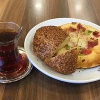 12/21/2016 tarihinde Eyüpziyaretçi tarafından Çengelköy Börekçisi'de çekilen fotoğraf