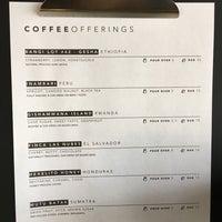 Foto tirada no(a) Vesta Coffee Roasters por Michael T. em 8/10/2018