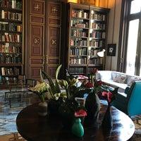 Das Foto wurde bei Cotton House Hotel Barcelona von Topher S. am 4/1/2018 aufgenommen