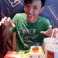 Photo taken at McDonald's by チー ハ. on 4/4/2014