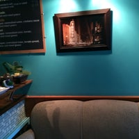 Photo taken at Beans Coffee & Tea by Gregory K. on 5/10/2014