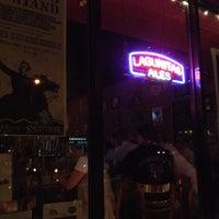 Das Foto wurde bei Fourth Avenue Pub von Michelle am 9/20/2013 aufgenommen