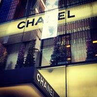 Снимок сделан в Chanel пользователем Lina J. 12/24/2012