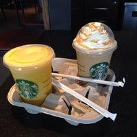 Photo taken at Starbucks Colonia Médica by Mario Fabian O. on 11/7/2013