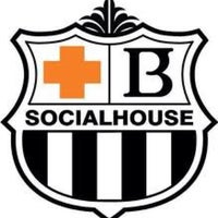 Photo taken at Browns Socialhouse Tsawwassen by Brian E. on 1/9/2014