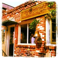 Foto diambil di Brick & Bell Cafe - La Jolla oleh Olivier P. pada 9/22/2012