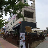 Photo taken at Cafe G.Friends (좋은친구들) by JOON HO C. on 6/22/2014
