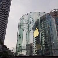 Photo taken at Apple Jiefangbei by Tian F. on 8/5/2017